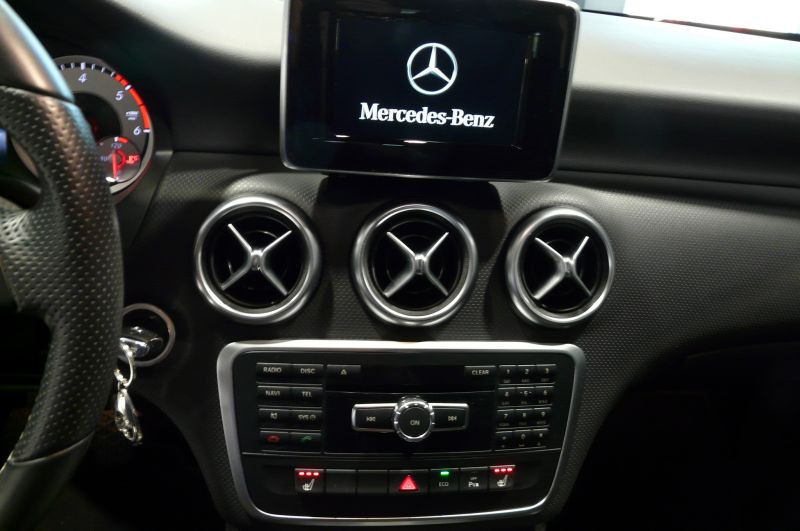 Mercedes Classe A 180 180 CDI Blanc occasion à Beaupuy - photo n°7