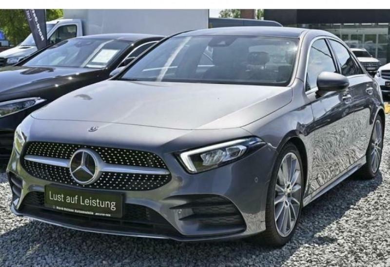 Mercedes Classe A 180 180 D 116CH AMG LINE 7G-DCT Gris occasion à Villenave-d'Ornon