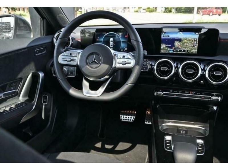 Mercedes Classe A 180 180 D 116CH AMG LINE 7G-DCT Gris occasion à Villenave-d'Ornon - photo n°5