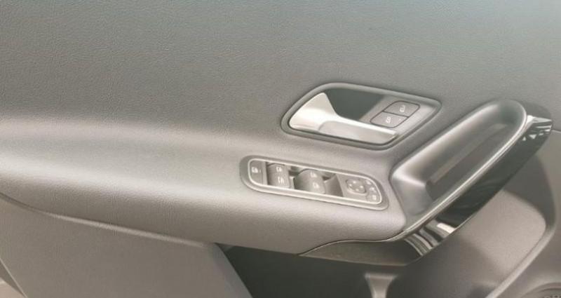 Mercedes Classe A 180 180 d 116ch Style Line 7G-DCT Gris occasion à Distre - photo n°7