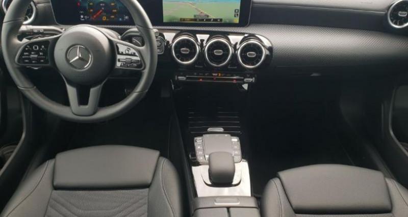 Mercedes Classe A 180 180 d 116ch Style Line 7G-DCT Gris occasion à Distre - photo n°3