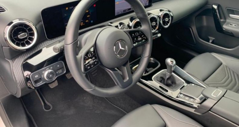 Mercedes Classe A 180 180 d 116ch Style Line Gris occasion à Cambrai - photo n°5