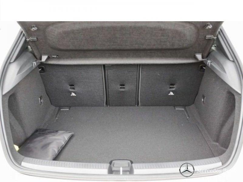 Mercedes Classe A 180 180 D Nouveau Modèle Blanc occasion à Beaupuy - photo n°8