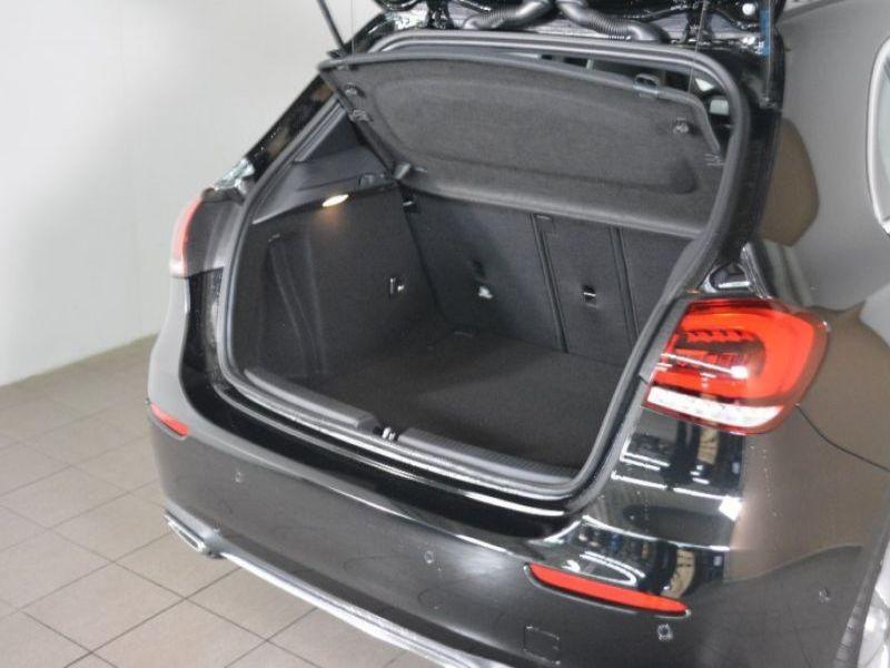 Mercedes Classe A 180 180 D Nouveau Modèle Noir occasion à Beaupuy - photo n°7