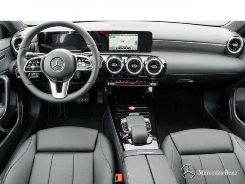 Mercedes Classe A 180 180 D Nouveau Modèle Blanc occasion à Beaupuy - photo n°2