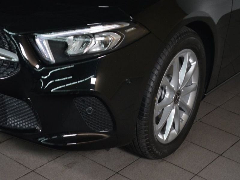 Mercedes Classe A 180 180 D Nouveau Modèle Noir occasion à Beaupuy - photo n°9