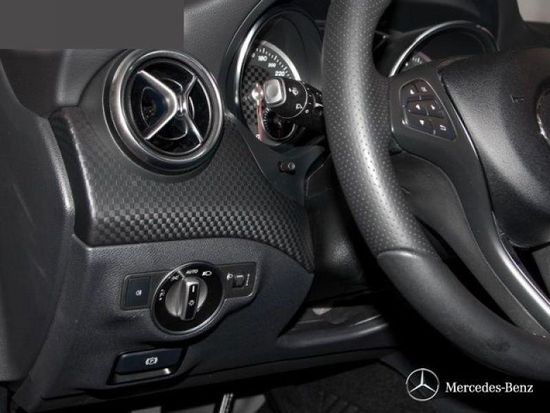 Mercedes Classe A 180 180 D Gris occasion à Beaupuy - photo n°7