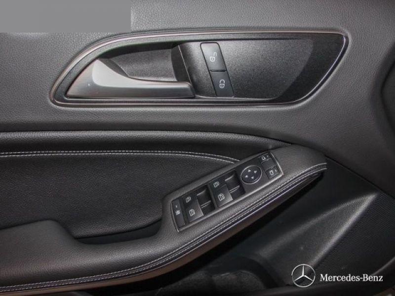 Mercedes Classe A 180 180 D Gris occasion à Beaupuy - photo n°6