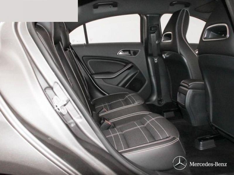 Mercedes Classe A 180 180 D Gris occasion à Beaupuy - photo n°8