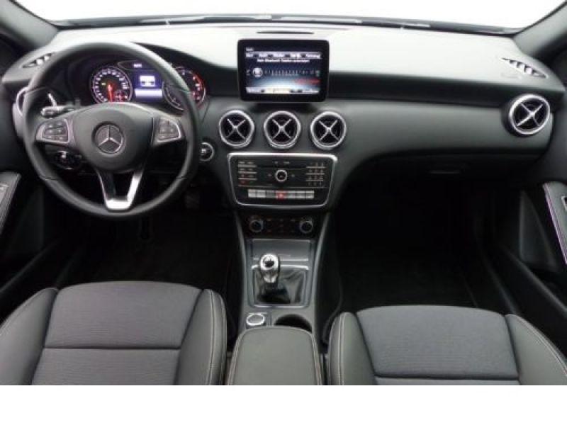Mercedes Classe A 180 180 D Argent occasion à Beaupuy - photo n°2