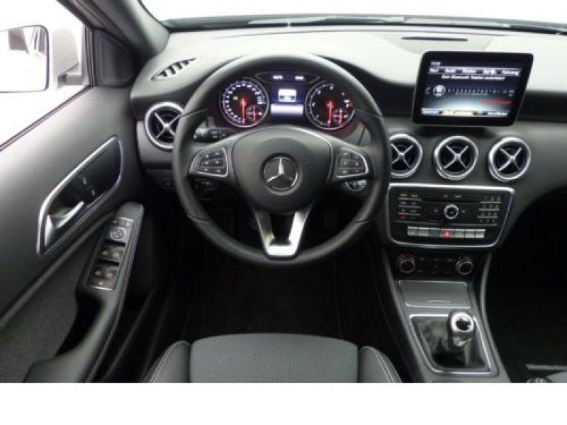 Mercedes Classe A 180 180 D Argent occasion à Beaupuy - photo n°6