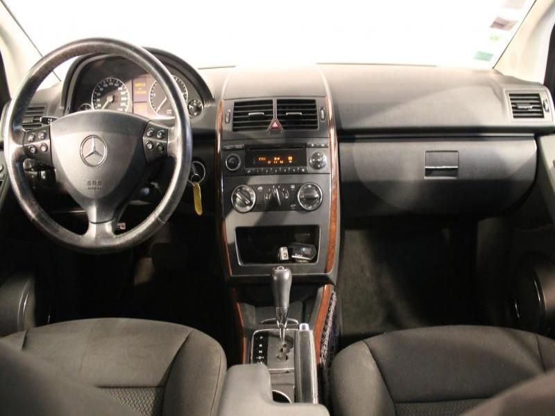 Mercedes Classe A 180 A 180 CDI ELEGANCE CVT 5P Gris occasion à Brest - photo n°4