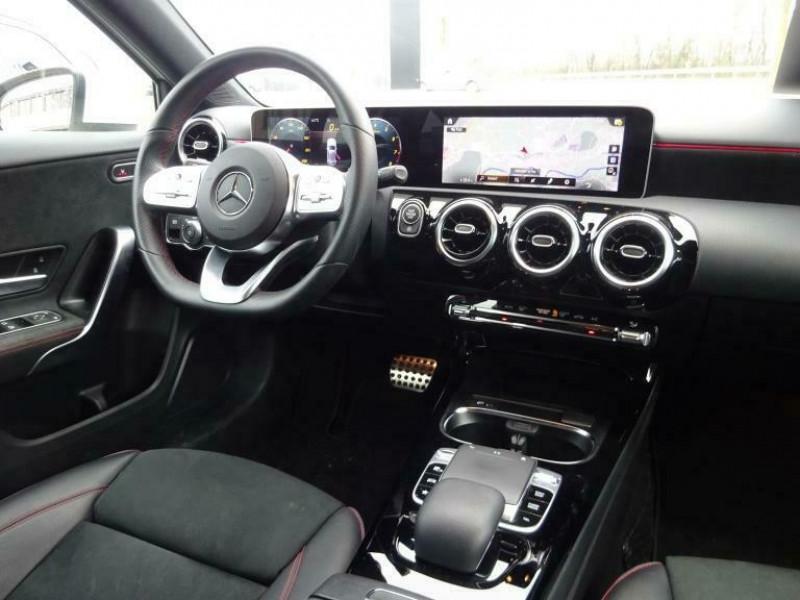 Mercedes Classe A 200 (W177) 200 163CH AMG LINE 7G-DCT Blanc occasion à Villenave-d'Ornon - photo n°9