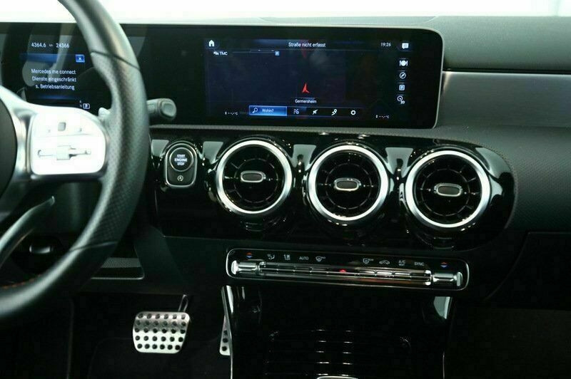 Mercedes Classe A 200 (W177) 200 D 150CH AMG LINE 8G-DCT Blanc occasion à Villenave-d'Ornon - photo n°9