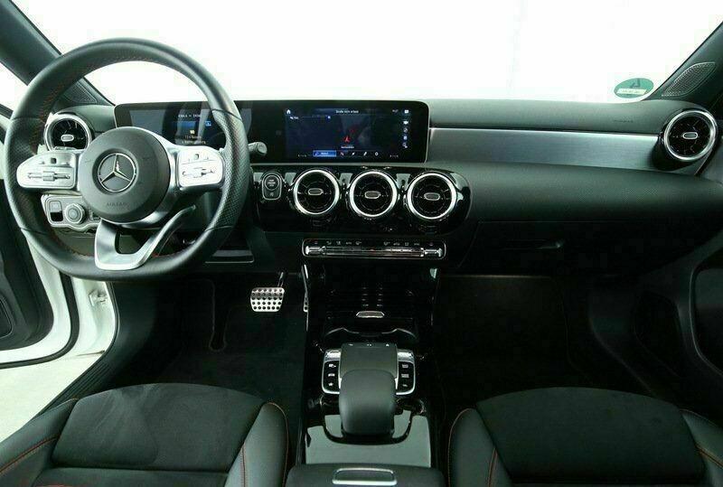 Mercedes Classe A 200 (W177) 200 D 150CH AMG LINE 8G-DCT Blanc occasion à Villenave-d'Ornon - photo n°8