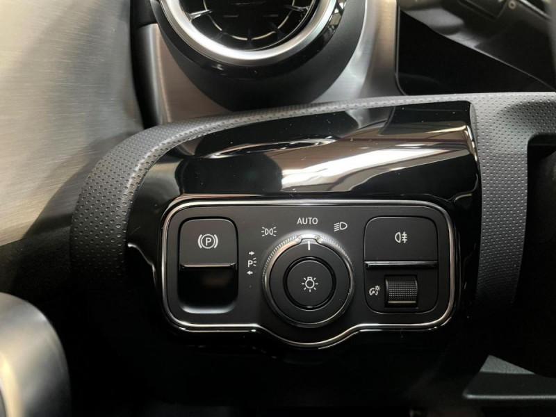 Mercedes Classe A 200 200 7G-DCT AMG Line + Options Noir occasion à Lormont - photo n°16