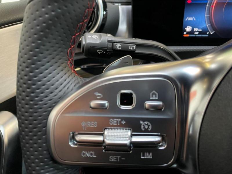 Mercedes Classe A 200 200 7G-DCT AMG Line + Options Noir occasion à Lormont - photo n°10