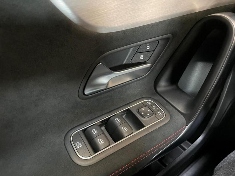 Mercedes Classe A 200 200 7G-DCT AMG Line + Options Noir occasion à Lormont - photo n°17