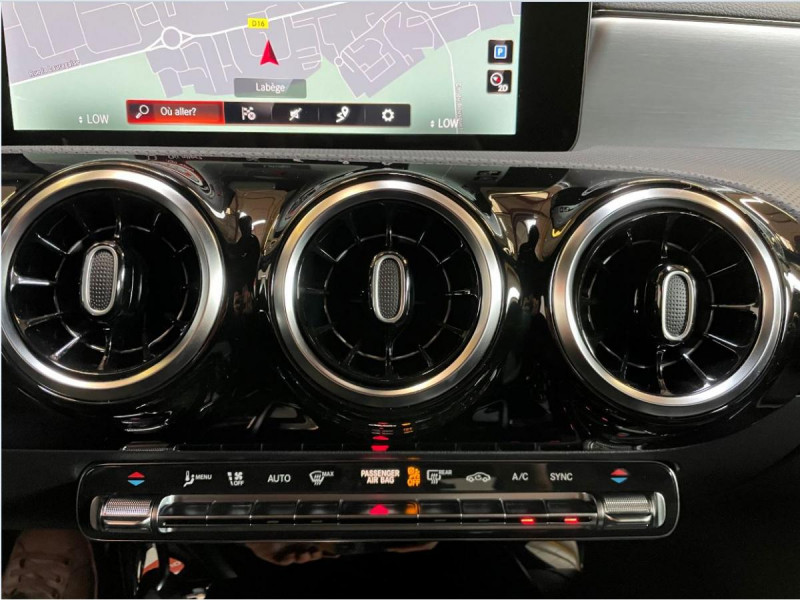 Mercedes Classe A 200 200 7G-DCT AMG Line + Options Noir occasion à Lormont - photo n°14
