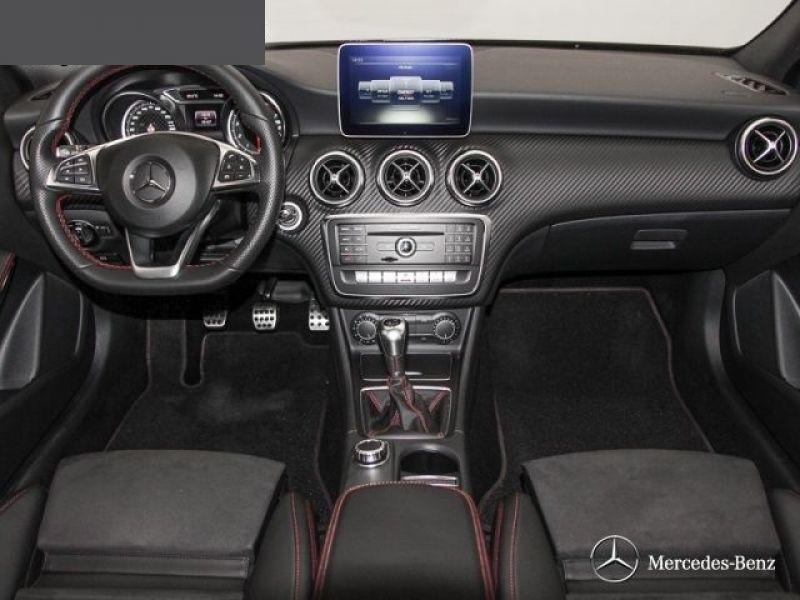 Mercedes Classe A 200 200 AMG Noir occasion à Beaupuy - photo n°4