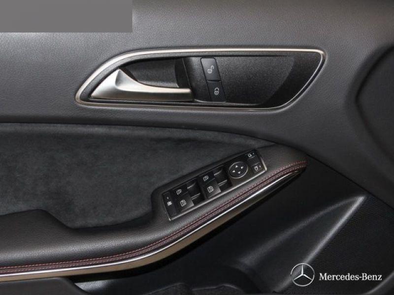 Mercedes Classe A 200 200 AMG Noir occasion à Beaupuy - photo n°6
