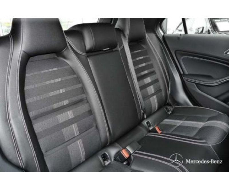 Mercedes Classe A 200 200 D 4Matic Gris occasion à Beaupuy - photo n°5