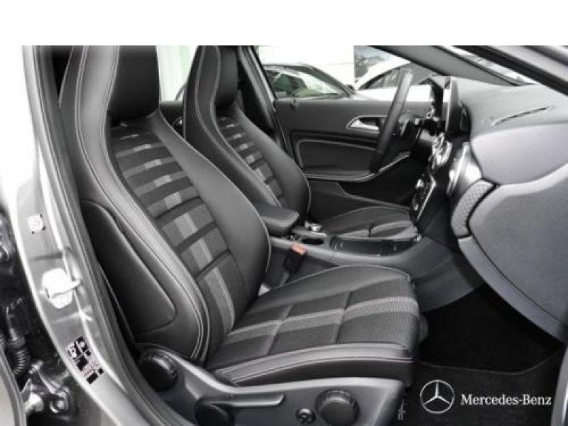 Mercedes Classe A 200 200 D 4Matic Gris occasion à Beaupuy - photo n°4