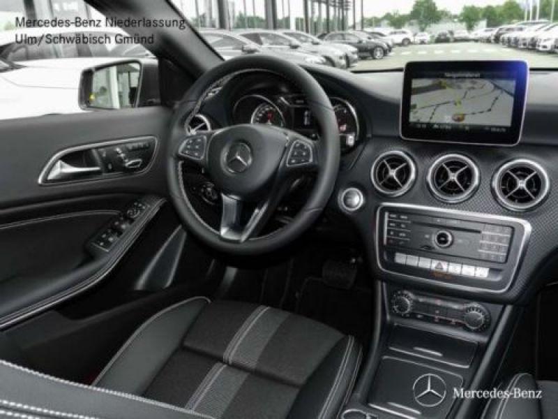 Mercedes Classe A 200 200 D 4Matic Gris occasion à Beaupuy - photo n°2