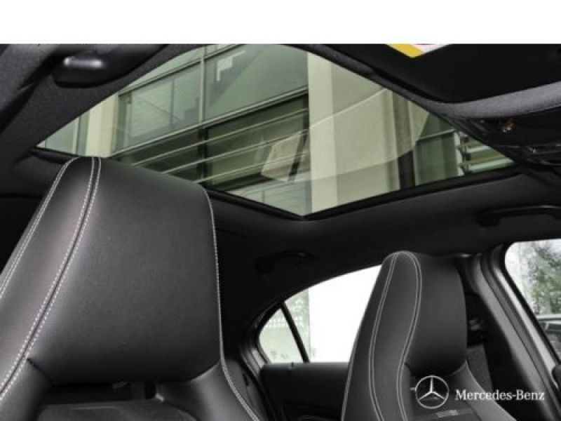Mercedes Classe A 200 200 D 4Matic Gris occasion à Beaupuy - photo n°7