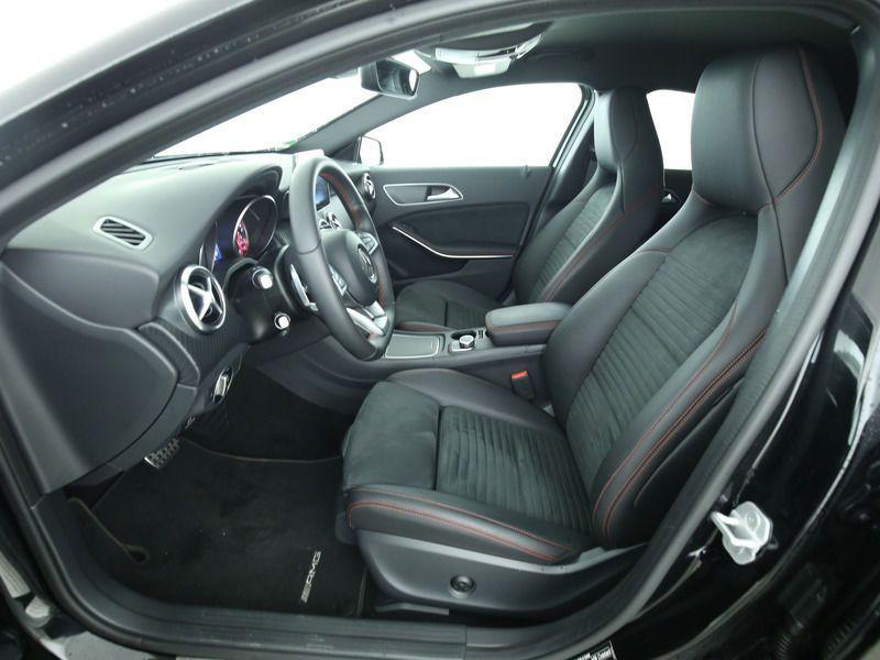 Mercedes Classe A 200 200 D AMG Noir occasion à Beaupuy - photo n°2