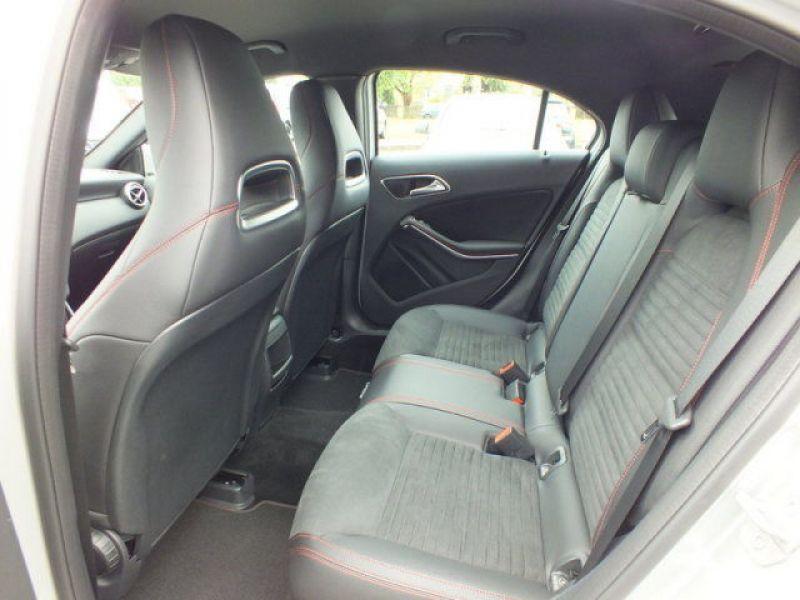 Mercedes Classe A 200 200 D AMG Argent occasion à Beaupuy - photo n°5