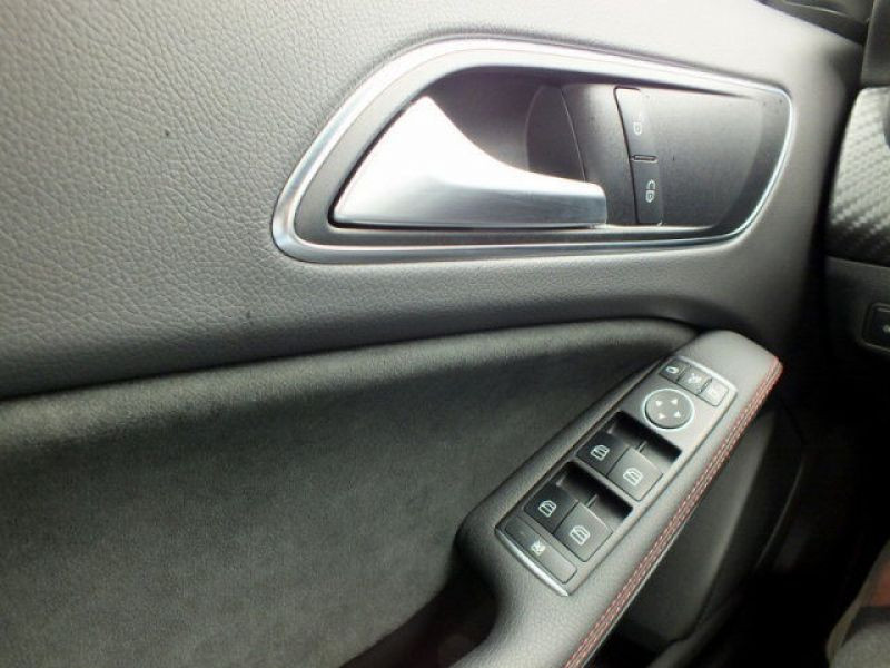 Mercedes Classe A 200 200 D AMG Argent occasion à Beaupuy - photo n°7