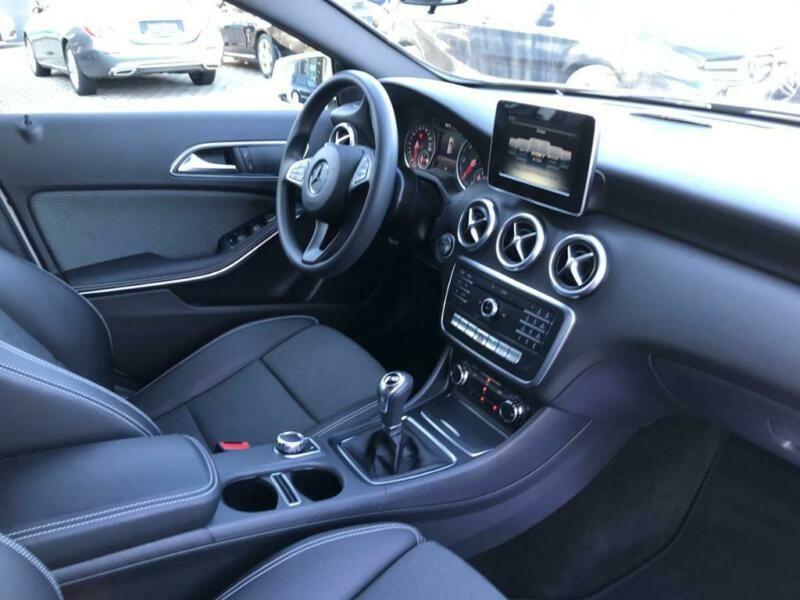 Mercedes Classe A 200 200 D Blanc occasion à Beaupuy - photo n°5