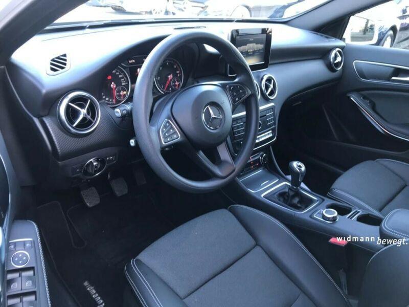 Mercedes Classe A 200 200 D Blanc occasion à Beaupuy - photo n°2