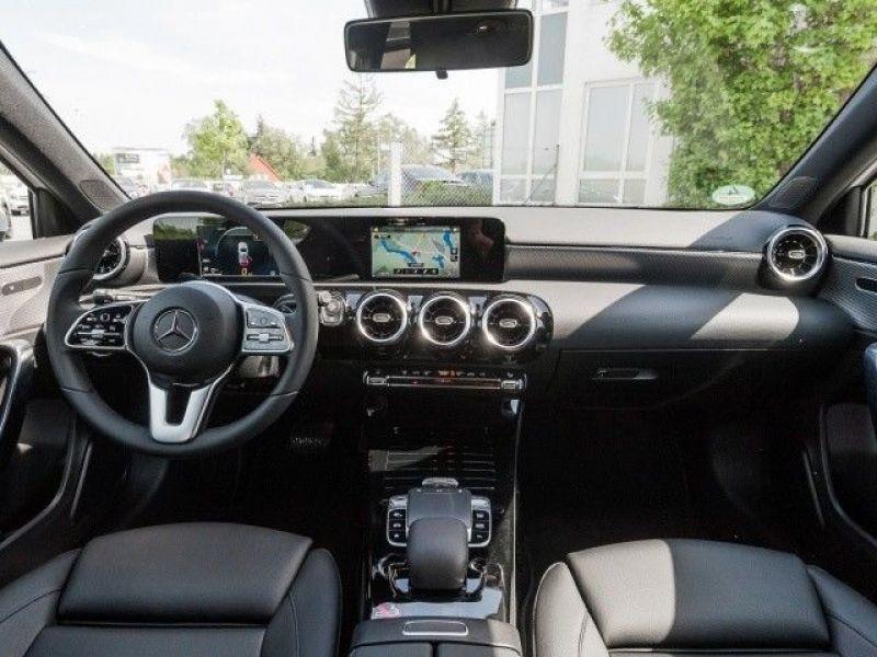 Mercedes Classe A 200 200 Nouveau Modèle Blanc occasion à Beaupuy - photo n°2