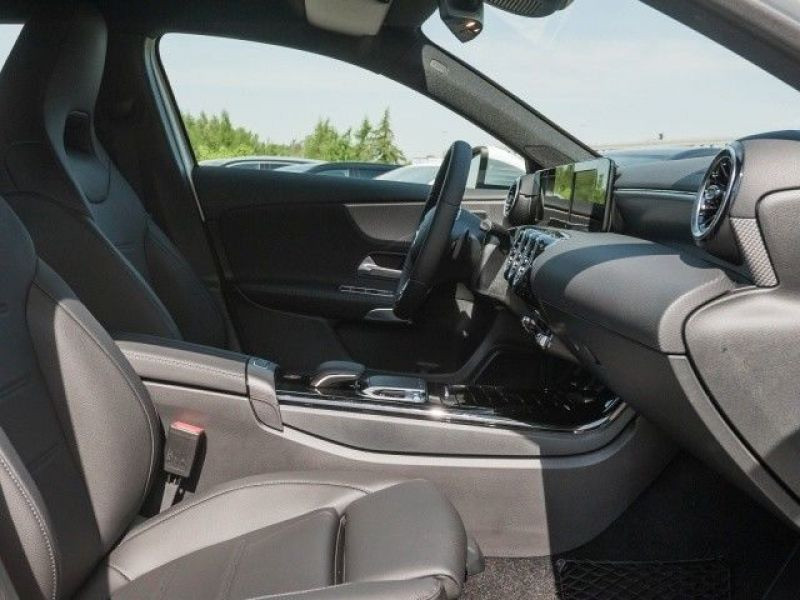 Mercedes Classe A 200 200 Nouveau Modèle Blanc occasion à Beaupuy - photo n°4