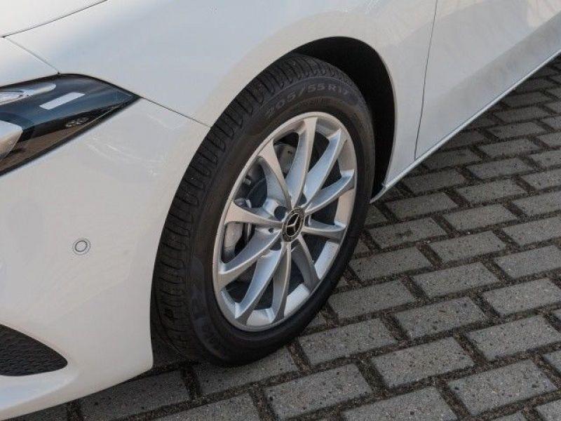 Mercedes Classe A 200 200 Nouveau Modèle Blanc occasion à Beaupuy - photo n°9