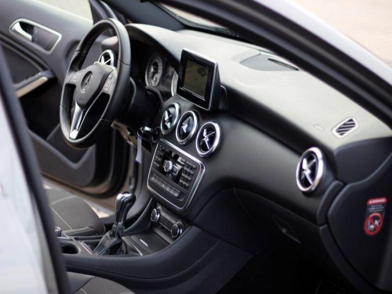 Mercedes Classe A 200 200 Gris occasion à Beaupuy - photo n°2