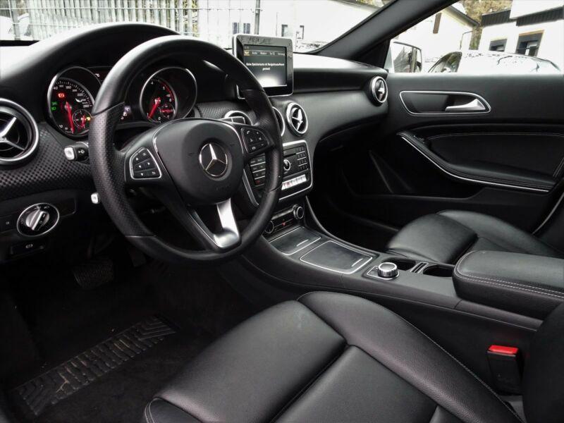 Mercedes Classe A 200 200 Argent occasion à Beaupuy - photo n°4