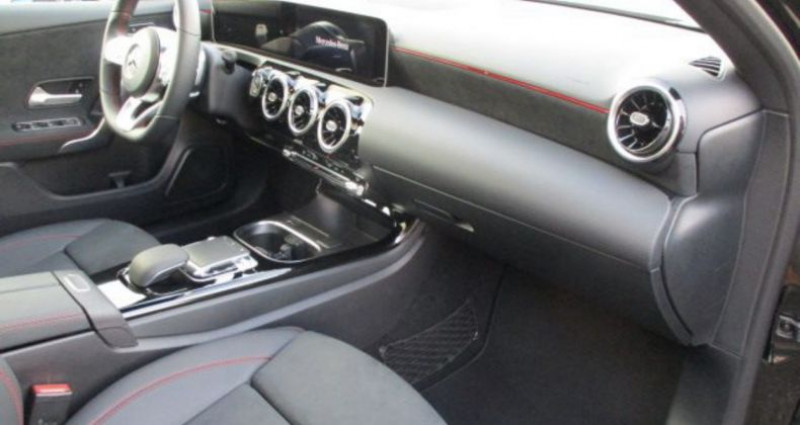 Mercedes Classe A 200 200d Amg Line 2020 5980kms Boite auto Toit pano Noir occasion à RIXHEIM - photo n°5