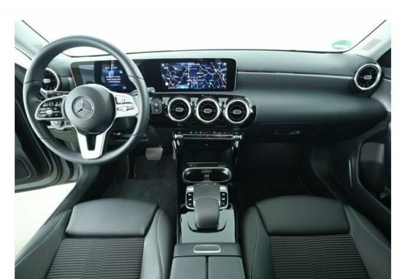 Mercedes Classe A 220 (W177) 220 D 190CH PROGRESSIVE LINE 8G-DCT Gris occasion à Villenave-d'Ornon - photo n°2