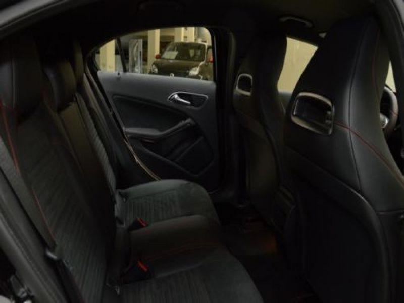 Mercedes Classe A 220 220 4Matic AMG Noir occasion à Beaupuy - photo n°5
