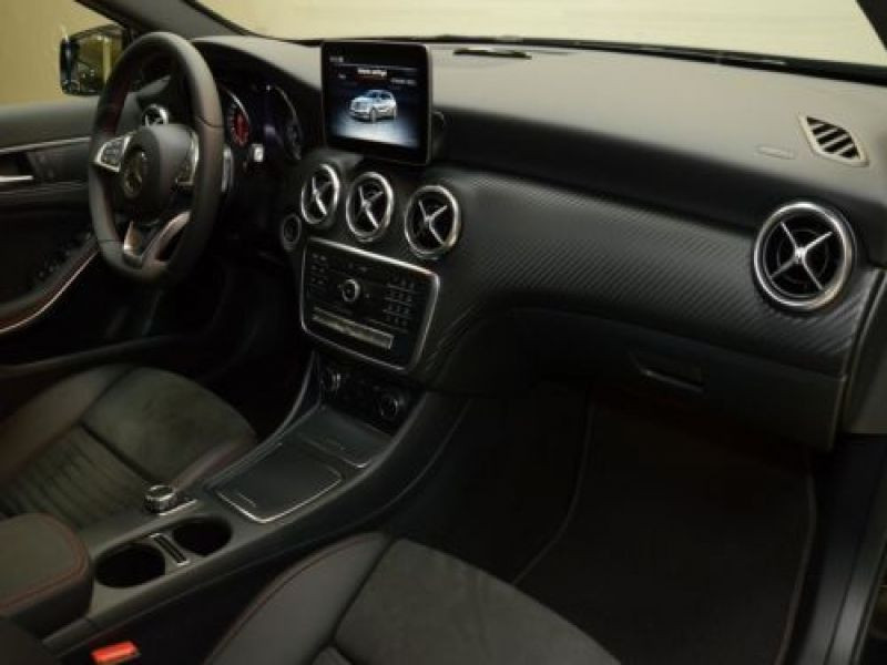 Mercedes Classe A 220 220 4Matic AMG Noir occasion à Beaupuy - photo n°6