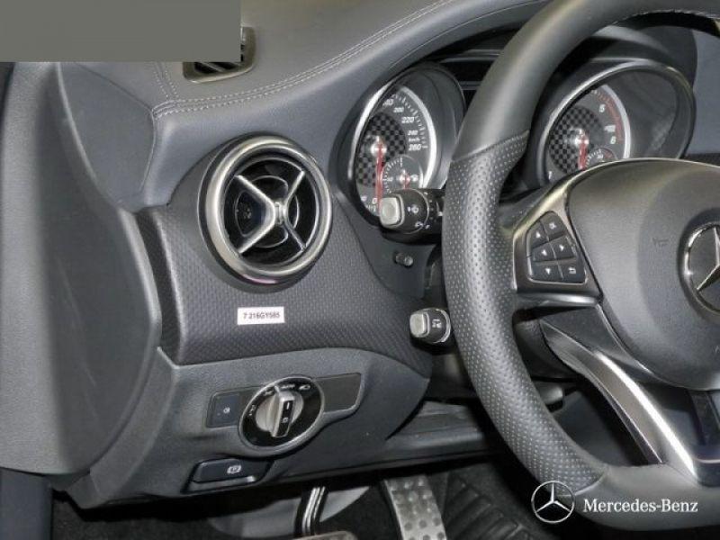 Mercedes Classe A 220 220 D 4 Matic AMG Gris occasion à Beaupuy - photo n°8