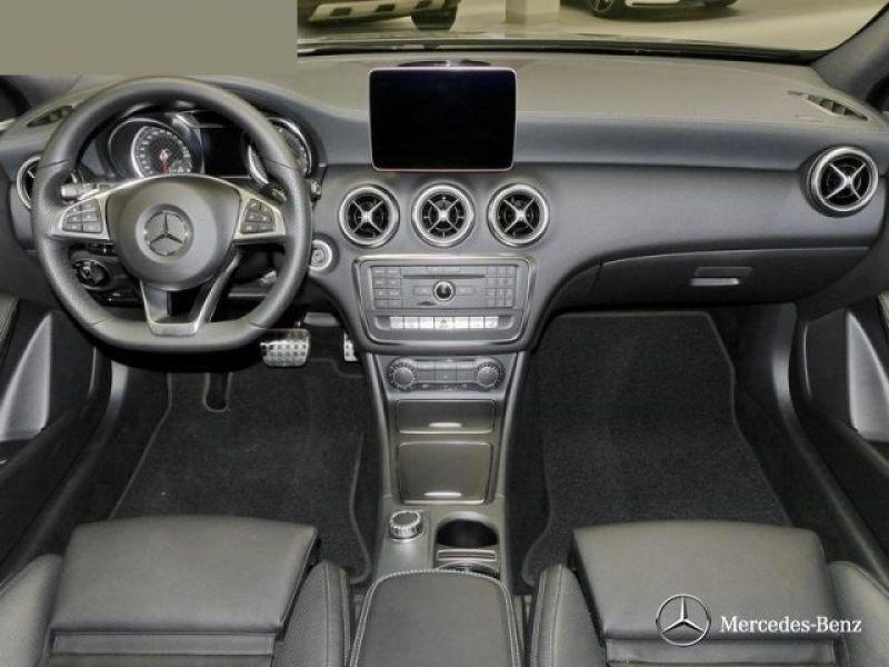 Mercedes Classe A 220 220 D 4 Matic AMG Gris occasion à Beaupuy - photo n°4