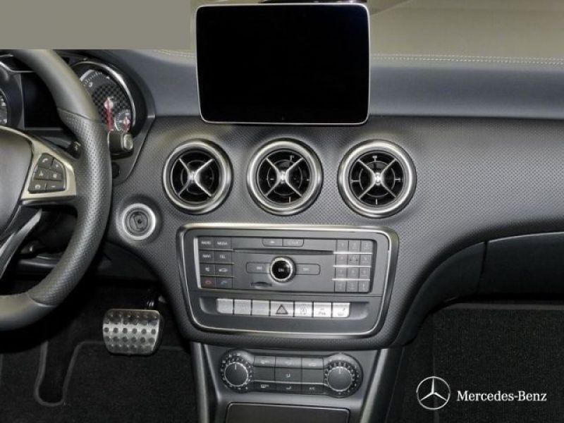 Mercedes Classe A 220 220 D 4 Matic AMG Gris occasion à Beaupuy - photo n°6