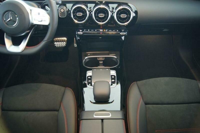 Mercedes Classe A (W177) 250 E 160+102CH AMG LINE 8G-DCT Gris occasion à Villenave-d'Ornon - photo n°9