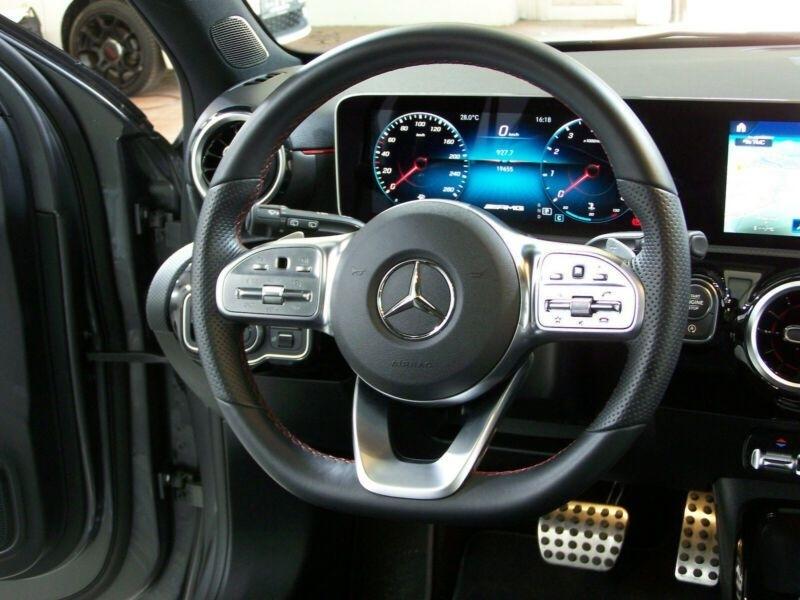 Mercedes Classe A (W177) 35 AMG 306CH 4MATIC 7G-DCT SPEEDSHIFT AMG Gris occasion à Villenave-d'Ornon - photo n°4