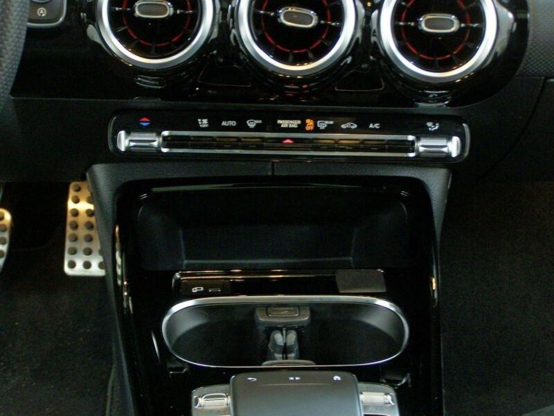 Mercedes Classe A (W177) 35 AMG 306CH 4MATIC 7G-DCT SPEEDSHIFT AMG Gris occasion à Villenave-d'Ornon - photo n°9