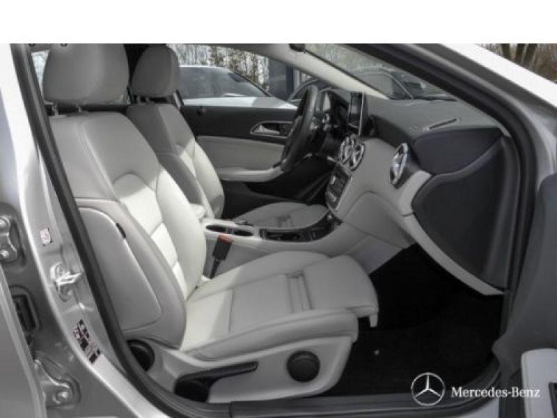 Mercedes Classe A 160 D Argent occasion à Beaupuy - photo n°4